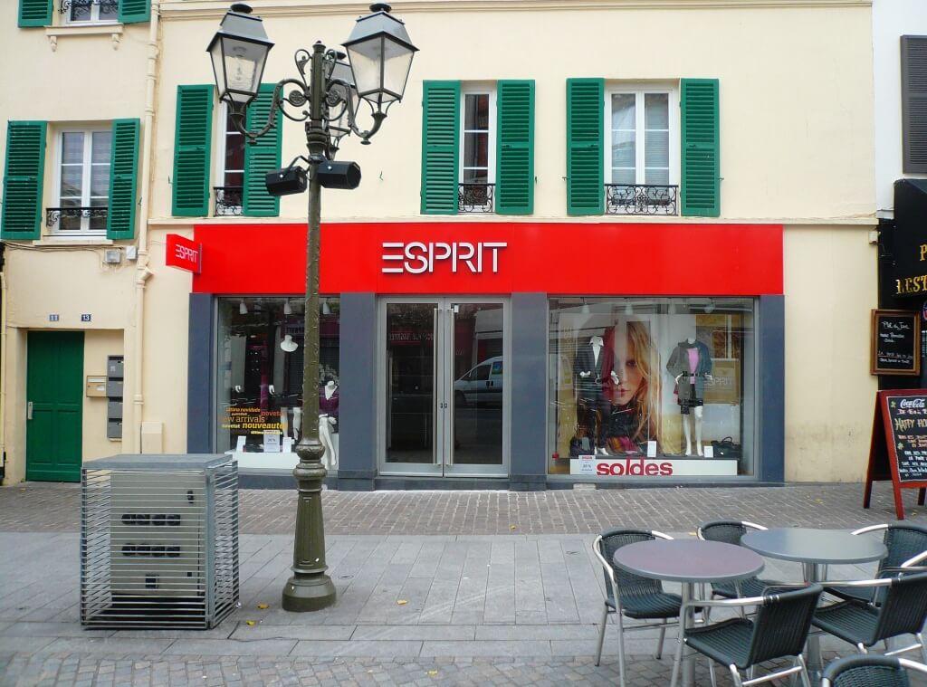 Enseigne plexiglas esprit suresnes - Esprit magasin paris ...