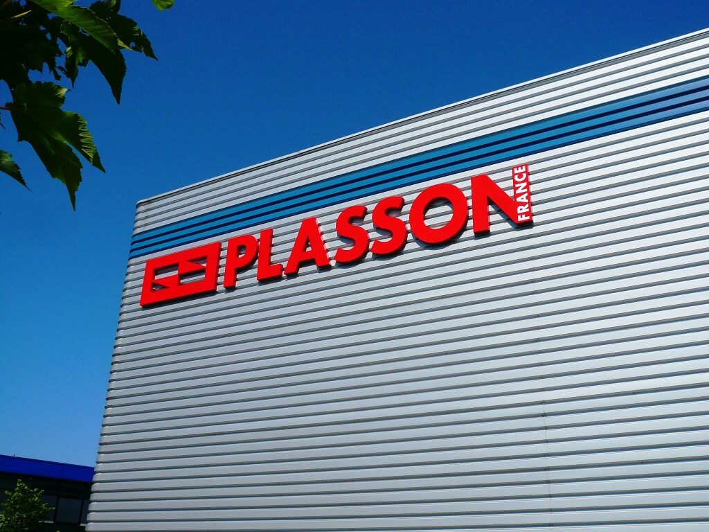Enseigne métal Plasson France