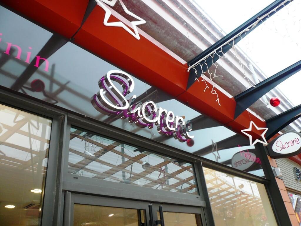 Enseigne lumineuse magasin pr t a porter sucrerie les - Centre commercial les armoiries villiers sur marne ...