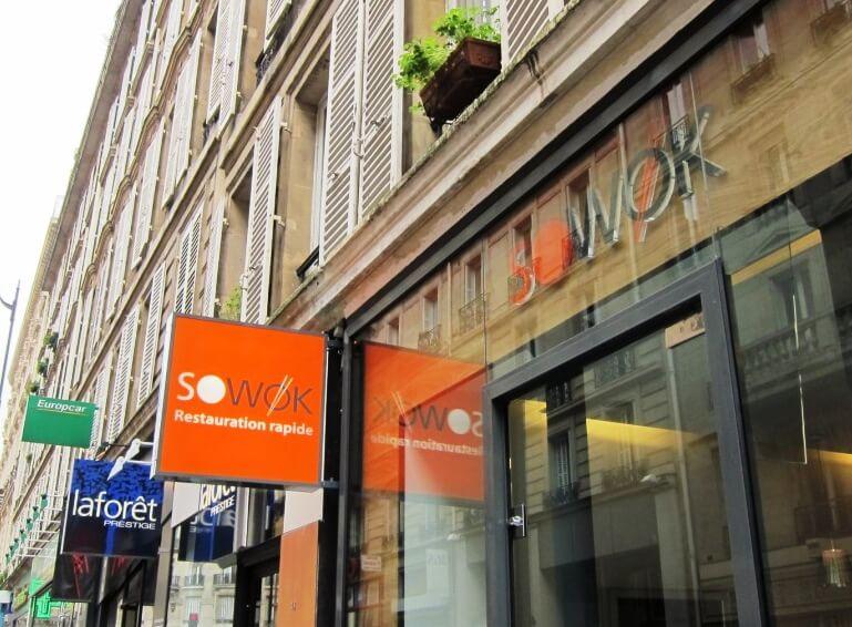 Enseigne lumineuse restaurant wok Paris
