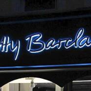 Enseigne pour Magasin prêt-à-porter Betty Barclay