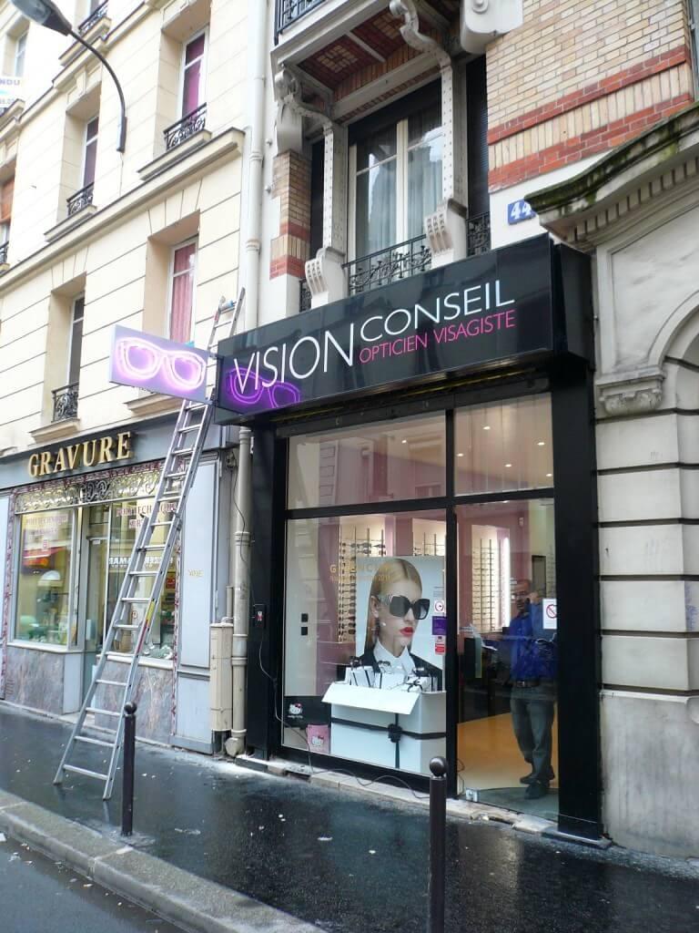enseigne lumineuse de magasin lunettes paris 12 optique paris opticien paris. Black Bedroom Furniture Sets. Home Design Ideas