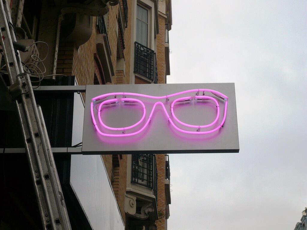 Lunette néon optique paris Vision Conseil – Opticien
