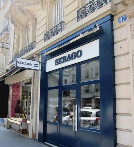 Chaussures SEBAGO Paris 17Enseigne et caisson