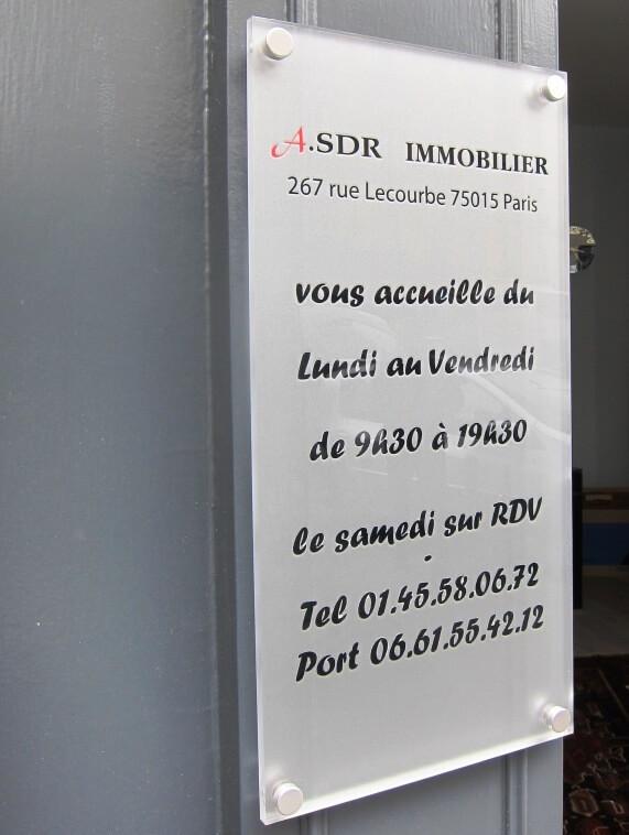 Enseigne inox immobilier agence immobiliere paris 15 asdr - Plaque en plexiglas ...