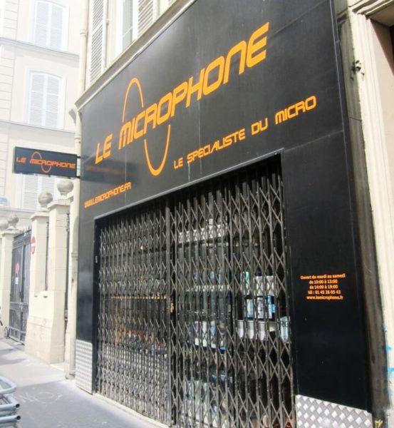 Vitrine de Le Microphone à Paris 9