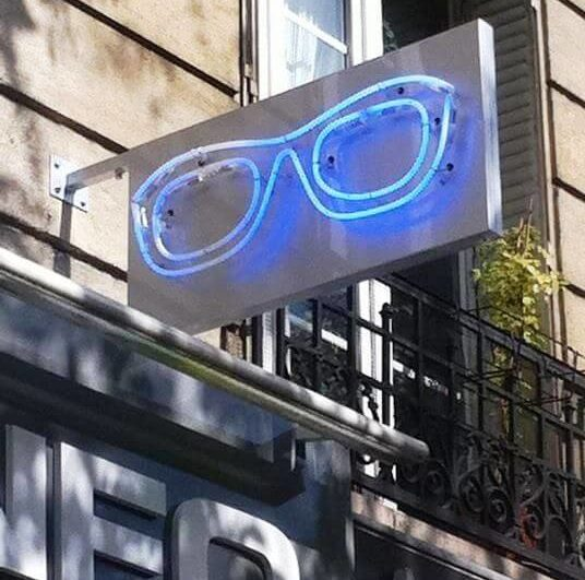 Enseigne lunette néon Optic Paris