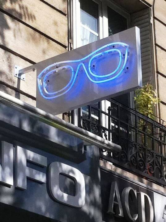 Enseigne lunette néon Opticien Optic info Paris