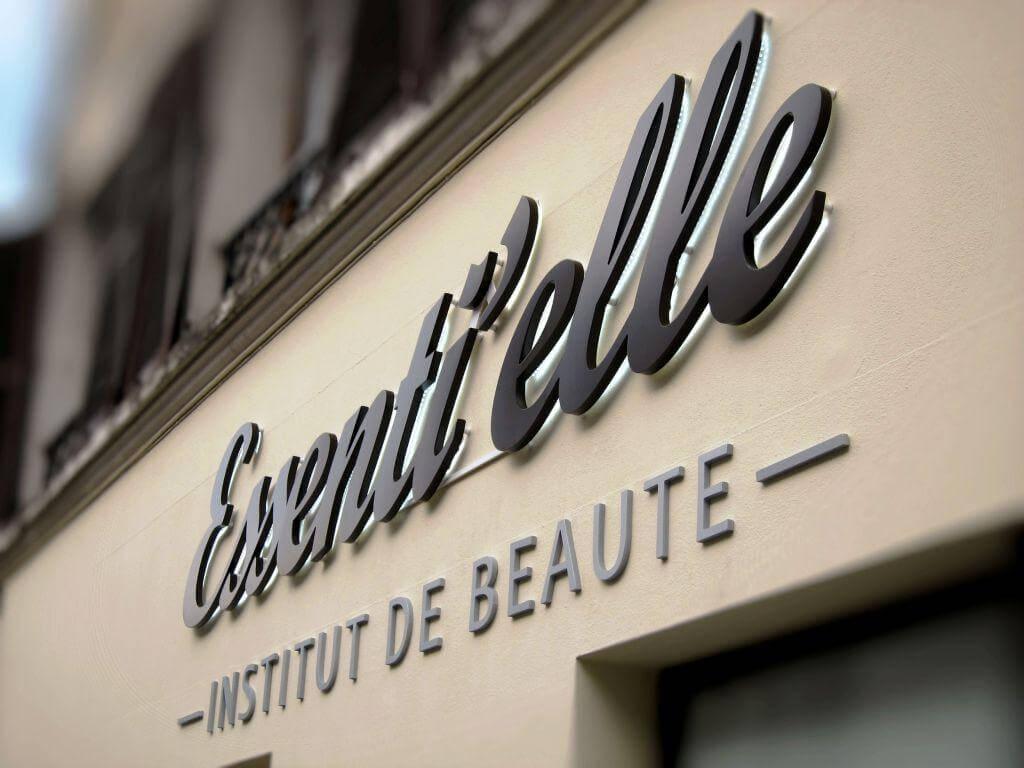 Enseigne institut de beauté Essenti'elle à Taverny