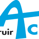 Construir-Acier logo bleu sur fond noir