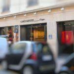 Galerie Carré d'Artistes - Vue de la vitrine et Enseigne