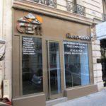 Enseigne inox poli miroir rénovation à Paris, avec rétro éclairage led