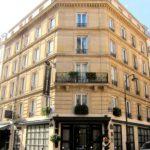 Hotel Paris Bassano - Vue de l'entrée et enseigne verticale