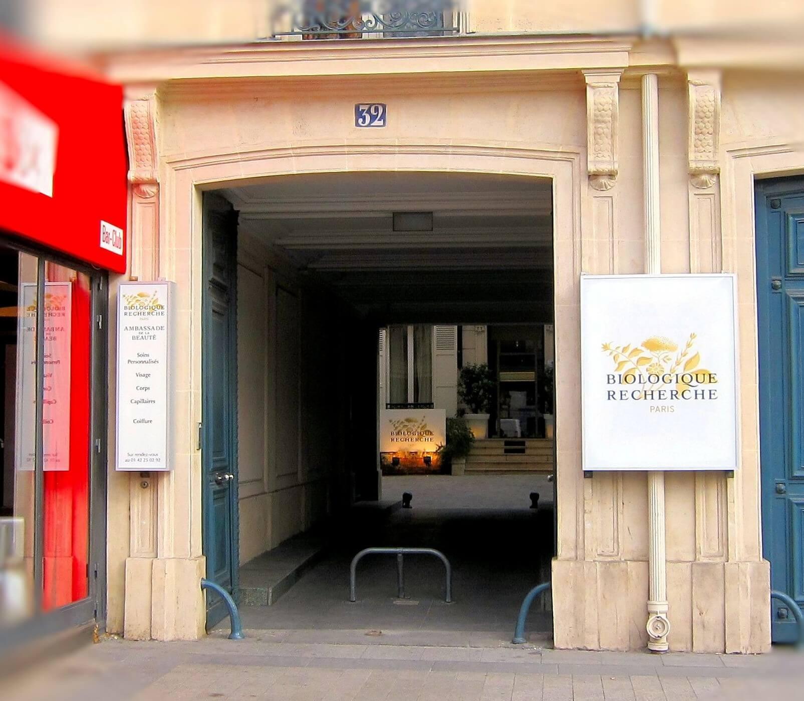 345e46b8f2 Nouvelle Enseigne lumineuse pour Biologique Recherche à Paris