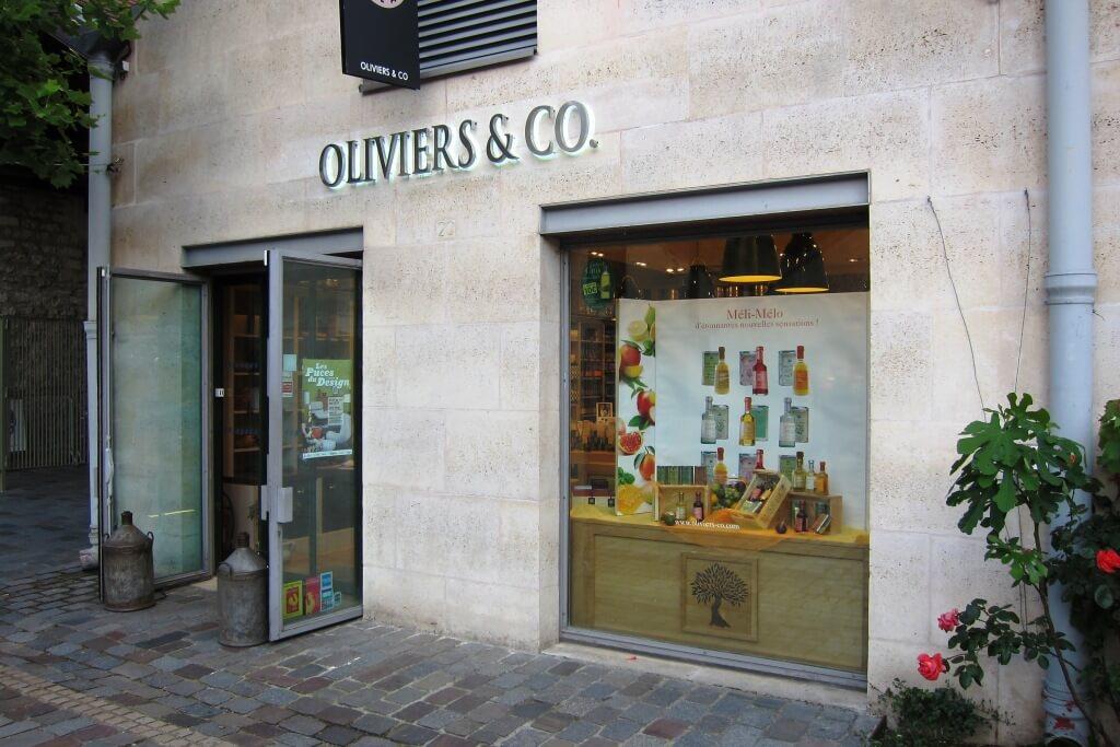 enseigne inox led magasin huile olive oliviers co bercy village 75012 paris. Black Bedroom Furniture Sets. Home Design Ideas