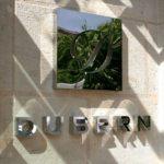 Détais du Logo de l'entree du Restaurant Dubern de Bordeaux