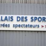 Enseigne lumineuse après fixation sur bardage - Palais des Sports de Paris Porte-de-Versailles
