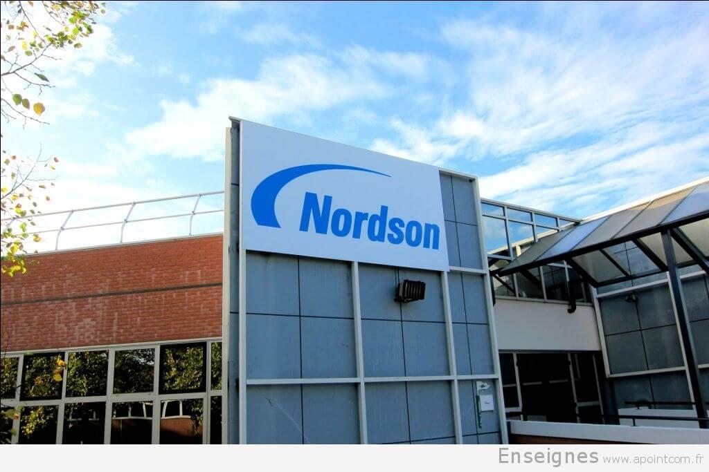 Nouvelle enseigne et signalétique Nordson (77)