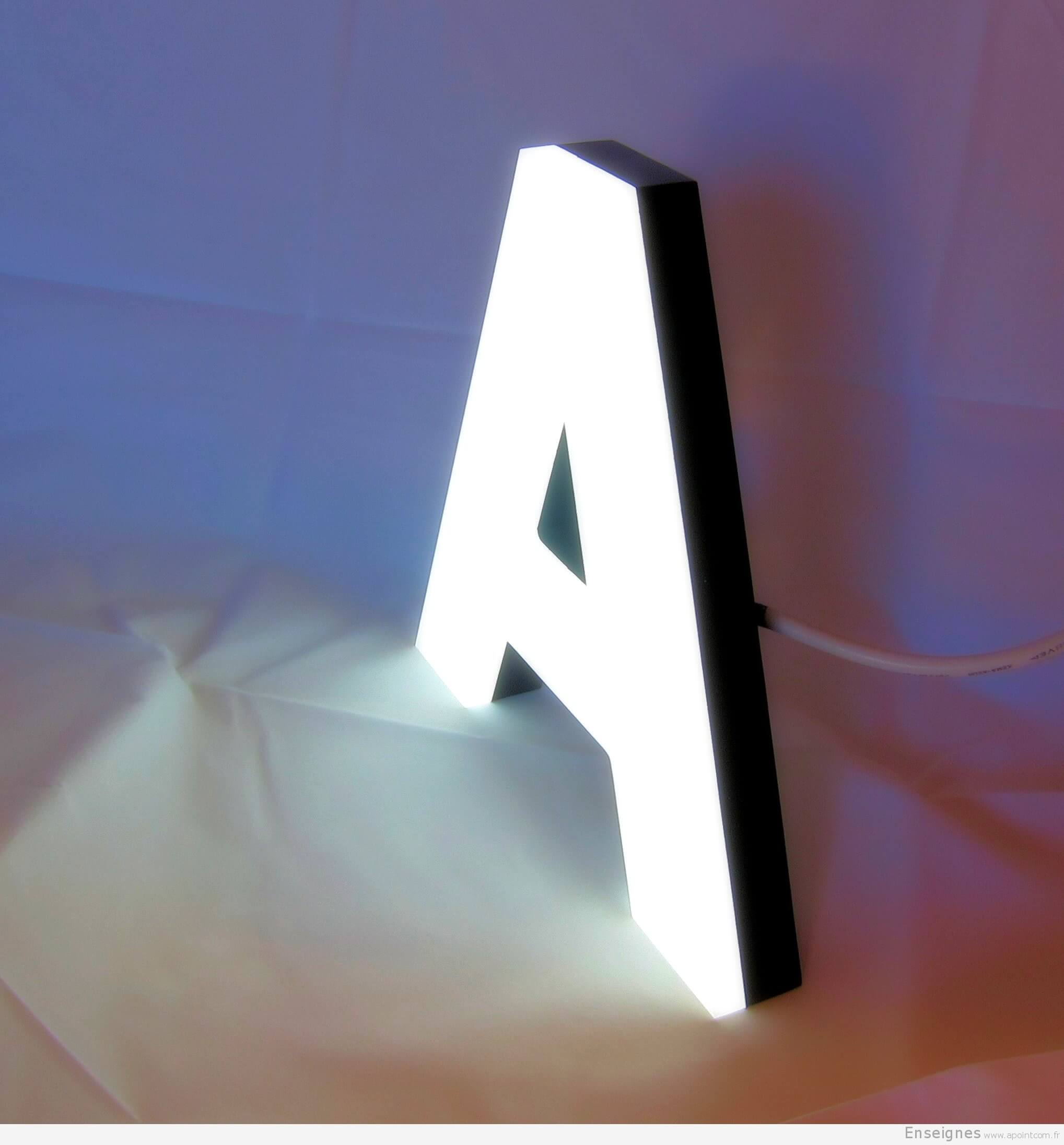enseigne lumineuse lettres boitier inox plexiglas. Black Bedroom Furniture Sets. Home Design Ideas
