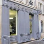 Enseigne en lettres boitier inox poli miroir avec relief de 30 mm - Boutique atelier de prêt à porter THOMAS DERRIEN à Paris 7