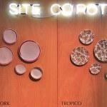 Détails néon sur panneau du stand Site-Corot au salon Maison et Objet (Villepinte)