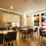 Salle et décors à la Andy Warhol au restaurant ARTY de Paris Opéra