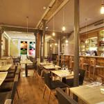 Vue des salles et du bar du restaurant ARTY de Paris Opéra