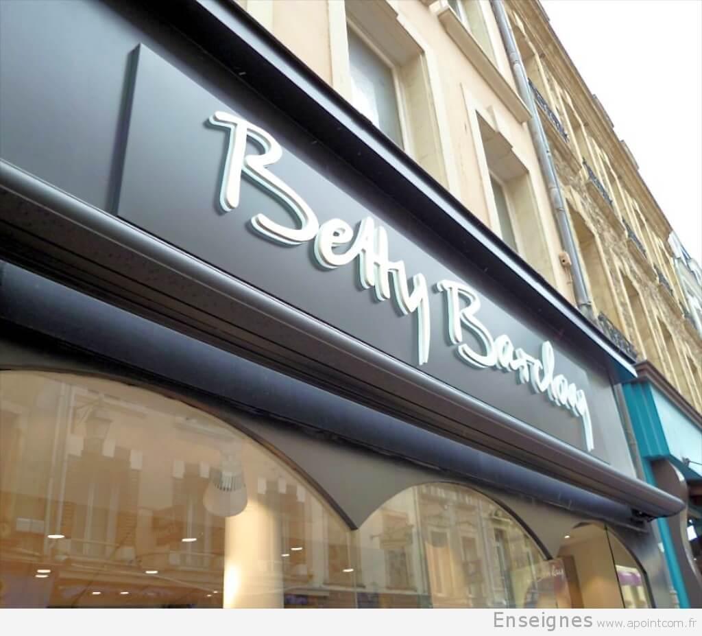 www.bettybarclay.de