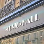 Détail de l'Enseigne de magasin Music Hall ( Paris )