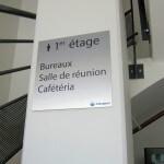 Plaque signalétique métal pour espaces à l'étage