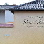 Vue d'ensemble enseigne et mur - Champagne Yann ALEXANDRE