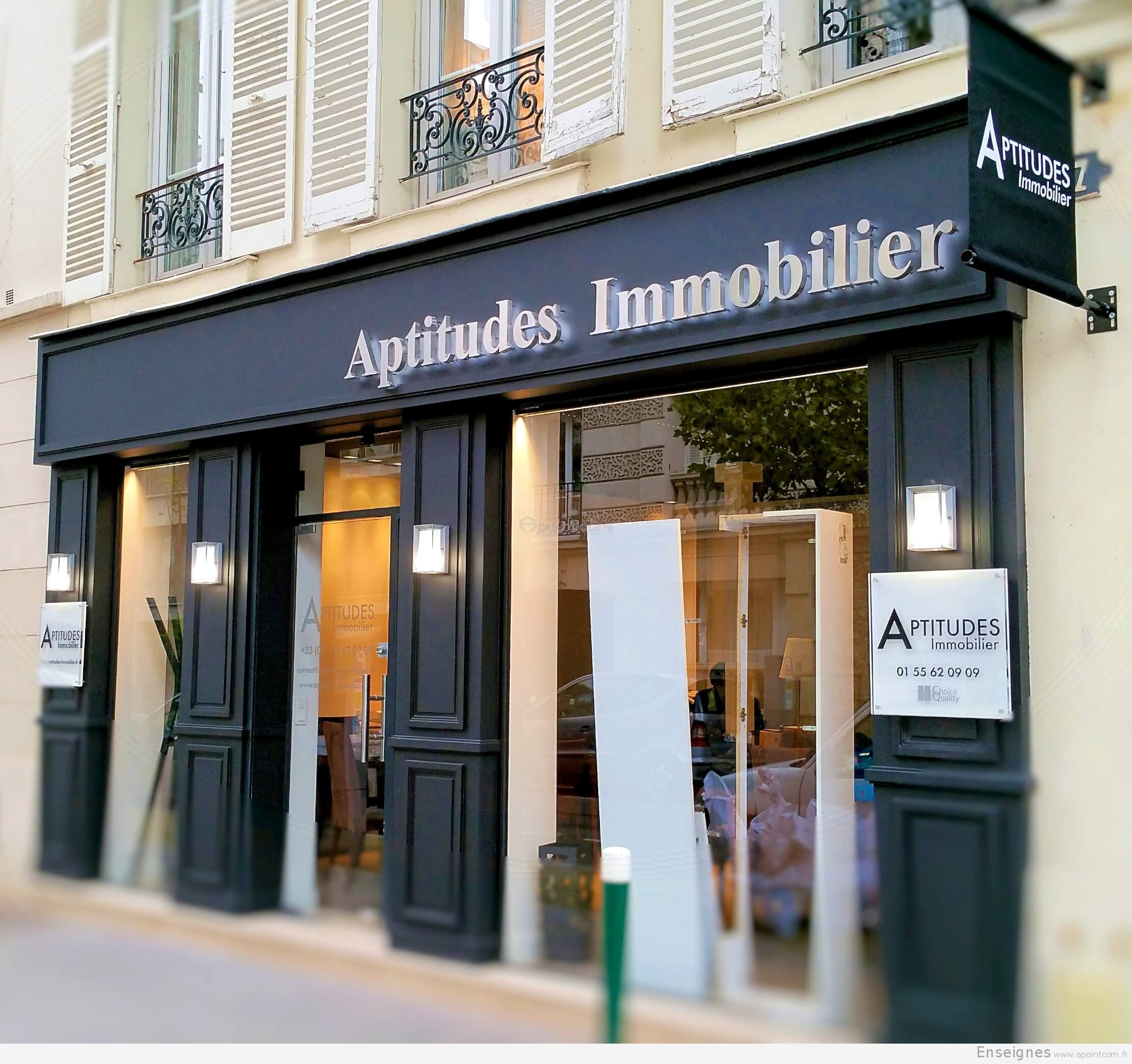 Enseigne lumineuse agence immobili re aptitudes neuilly 92 for Agence immobiliere specialisee terrasse paris