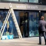 Installation enseigne extérieur en cours - Mario Dessuti Alesia