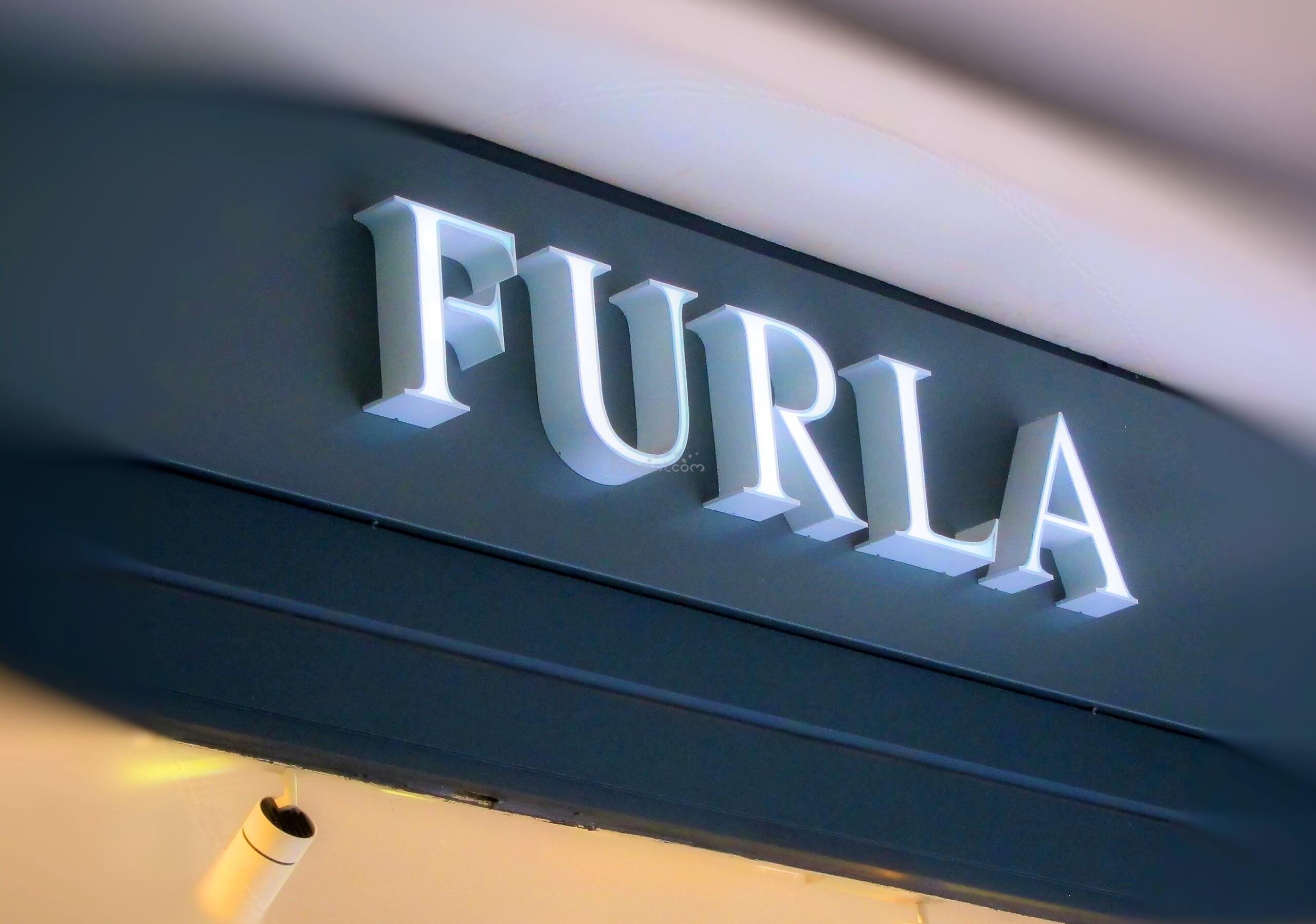 242ea267095 Enseigne lumineuse magasin - Furla Champs Elysees