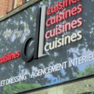 Enseigne relief lumineuse cuisiniste  – DL cuisines
