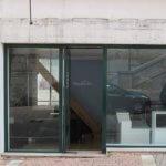 vue de la façade avant pose de l'enseigne à lettres inox
