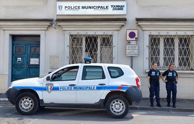 Nouvelle enseigne lumineuse du poste de Police Municipale de Tournan-en-Brie